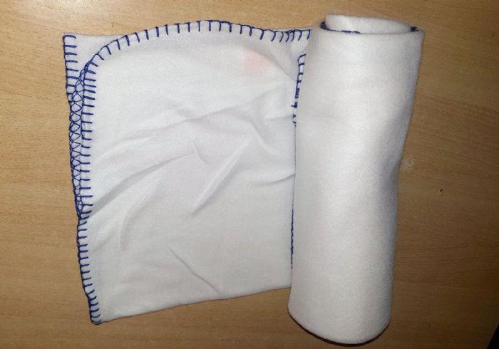 """שמיכת פליז 127X152 ס""""מ לכיסוי מטופלים או כסדין למיטה"""